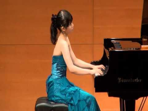 演奏者:西本佳奈美(現:リヨン国立高等音楽院 1er Cycle Supérieur 課程 ピアノ)